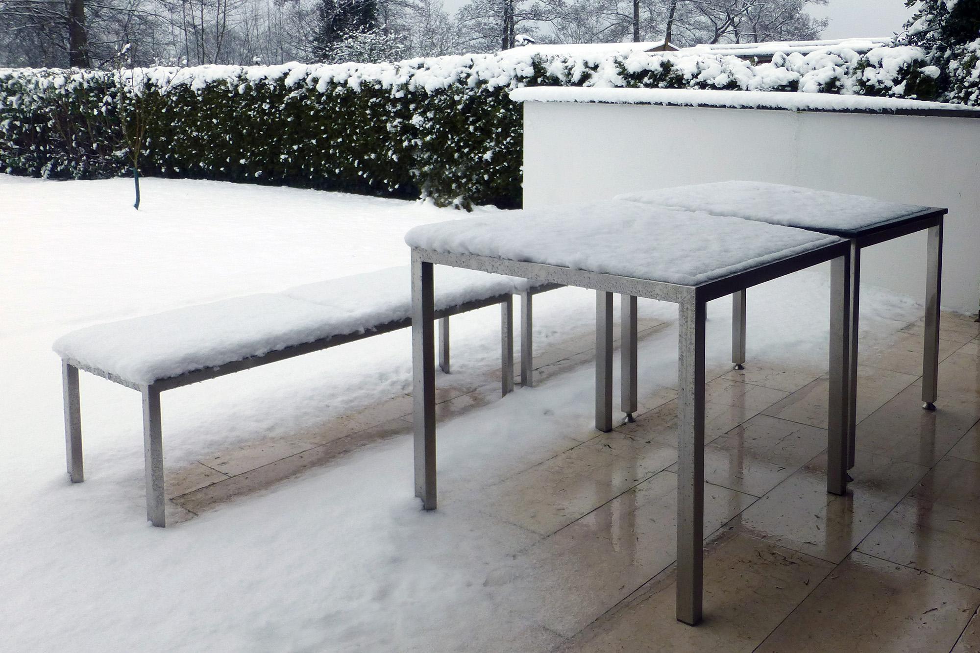 outdoor m bel hammerdesign aus edelstahl mit granit oder hartholz. Black Bedroom Furniture Sets. Home Design Ideas
