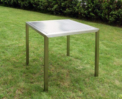 Tisch aus Edelstahl von HammerDesign