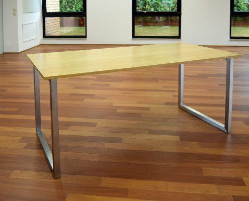 Schreibtisch von HammerDesign mit Edelstahl